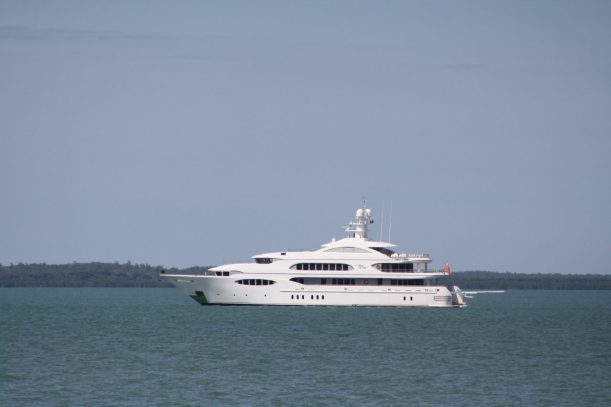 luxury boat Darwin