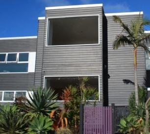 Beach house Belongil