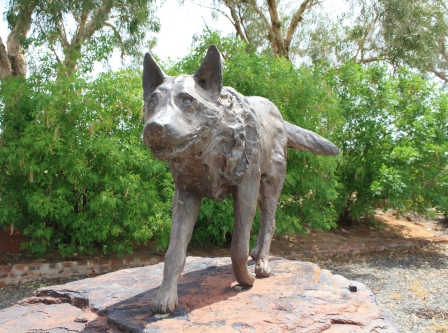 Red Dog statue Dampier