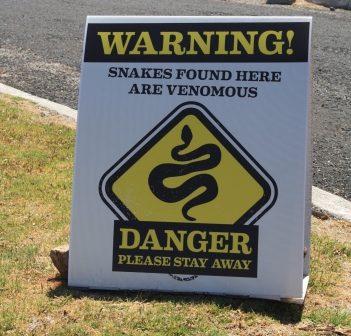 venomous snake sign