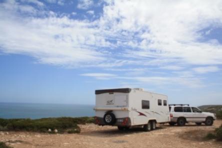 caravan stop on the Bunda Cliffs