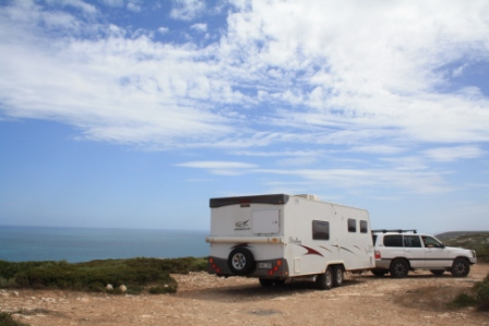 caravan stop on the Bunda Cliffs