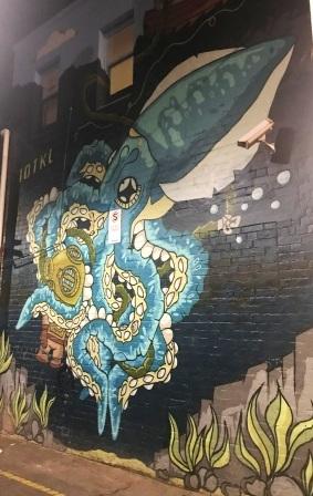 10TKL street art