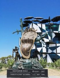 Dali exhibition at d'Arenberg cube