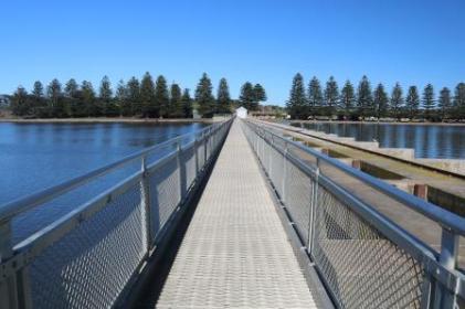 Goolwa barrage walkway