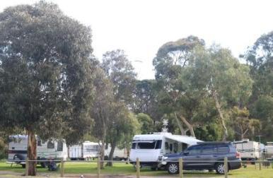 Milang lakeside caravan park