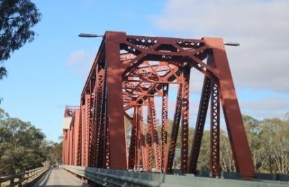 lifting span bridge Paringa