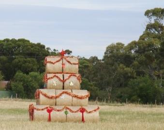 hay bale Christmas tree